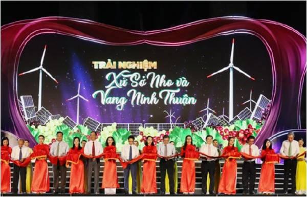 Tập thể Viện Nghiên cứu Bông & PTNN Nha Hố được tôn vinh trong Lễ Hội Vang & Nho Ninh Thuận 2019